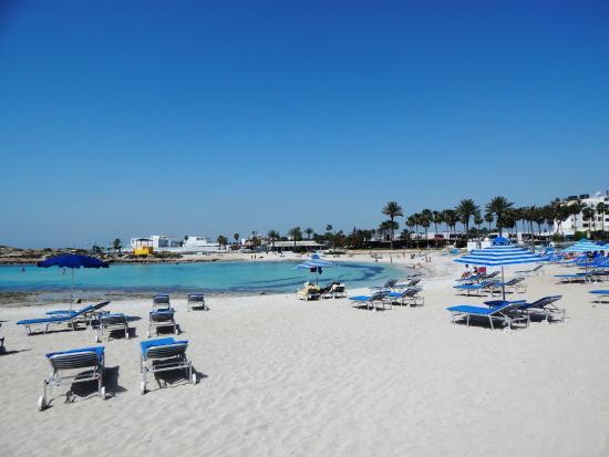vathia-gonia-beach